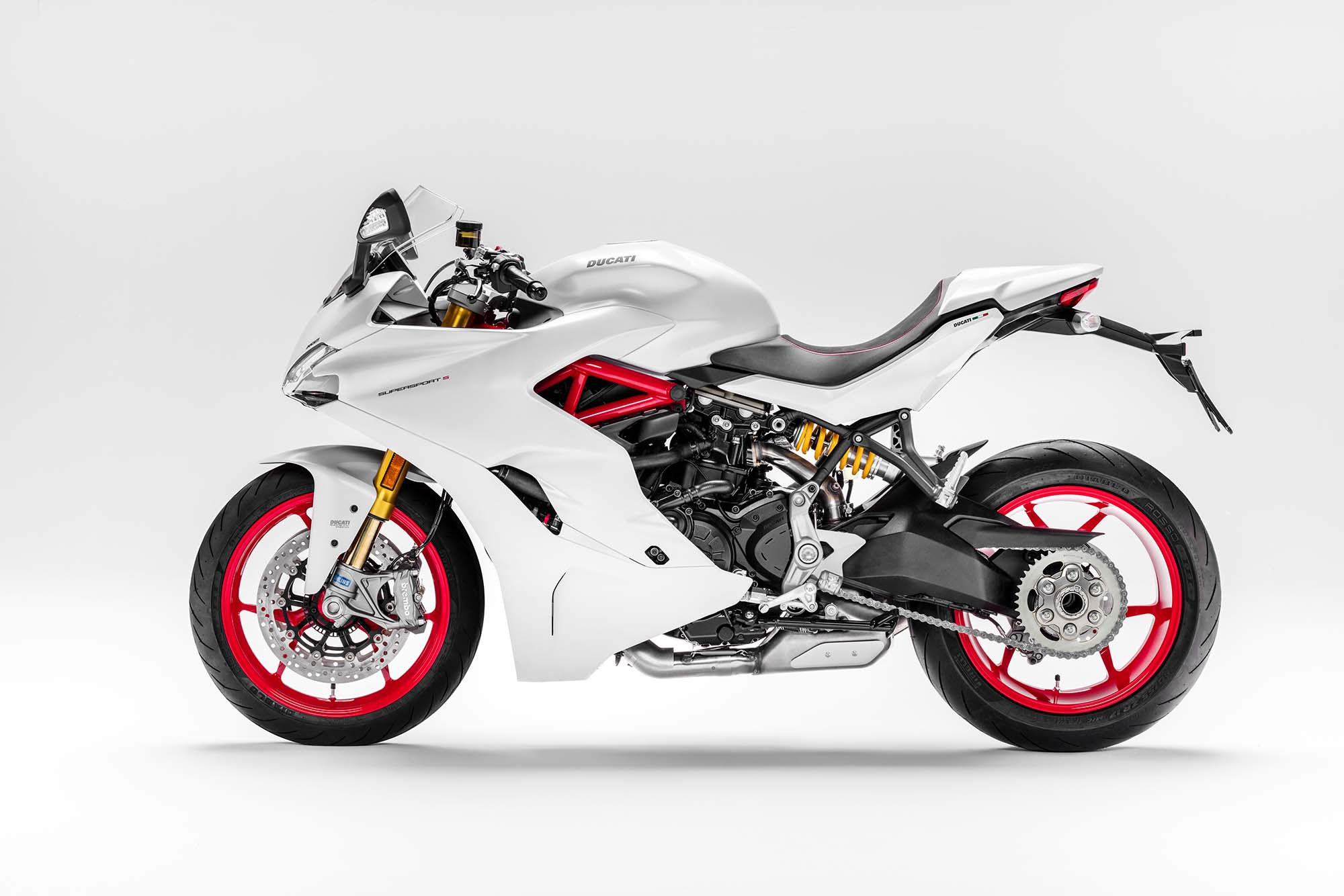 2017 Ducati Supersport S 04