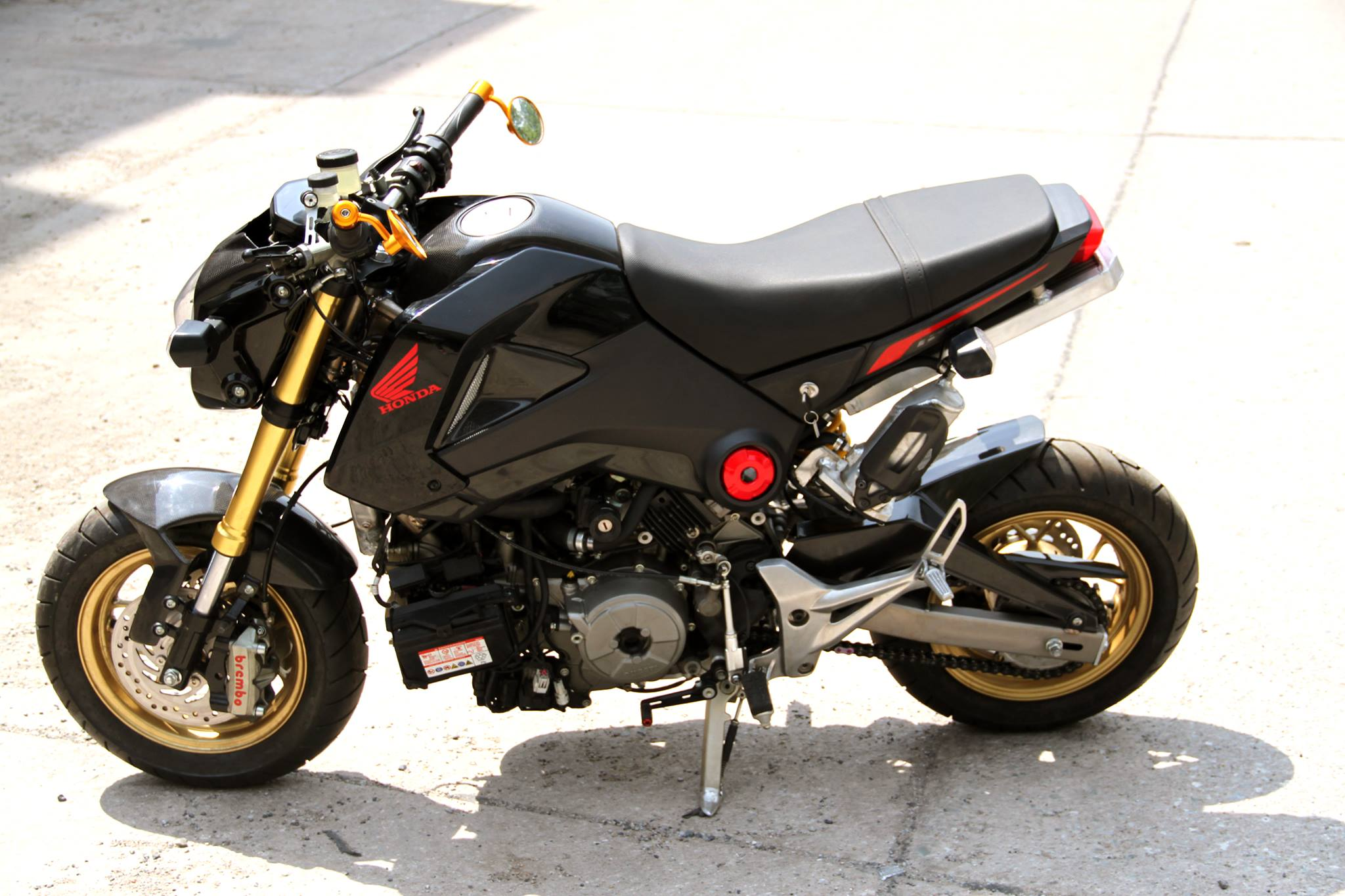 ducati 1199 panigale powered honda grom is as insane as it gets 8