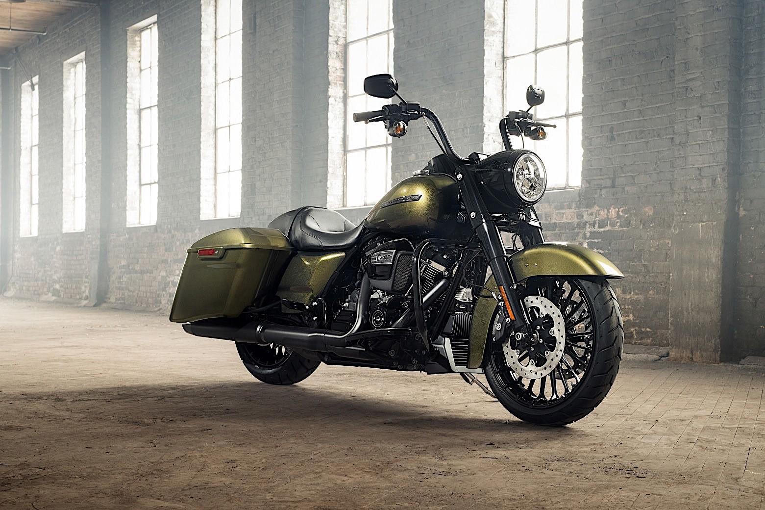 harley davidson introduces 2017 road king special 2