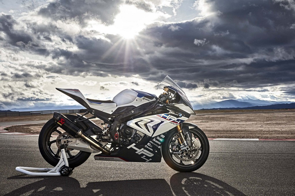 BMW HP4 Race 43