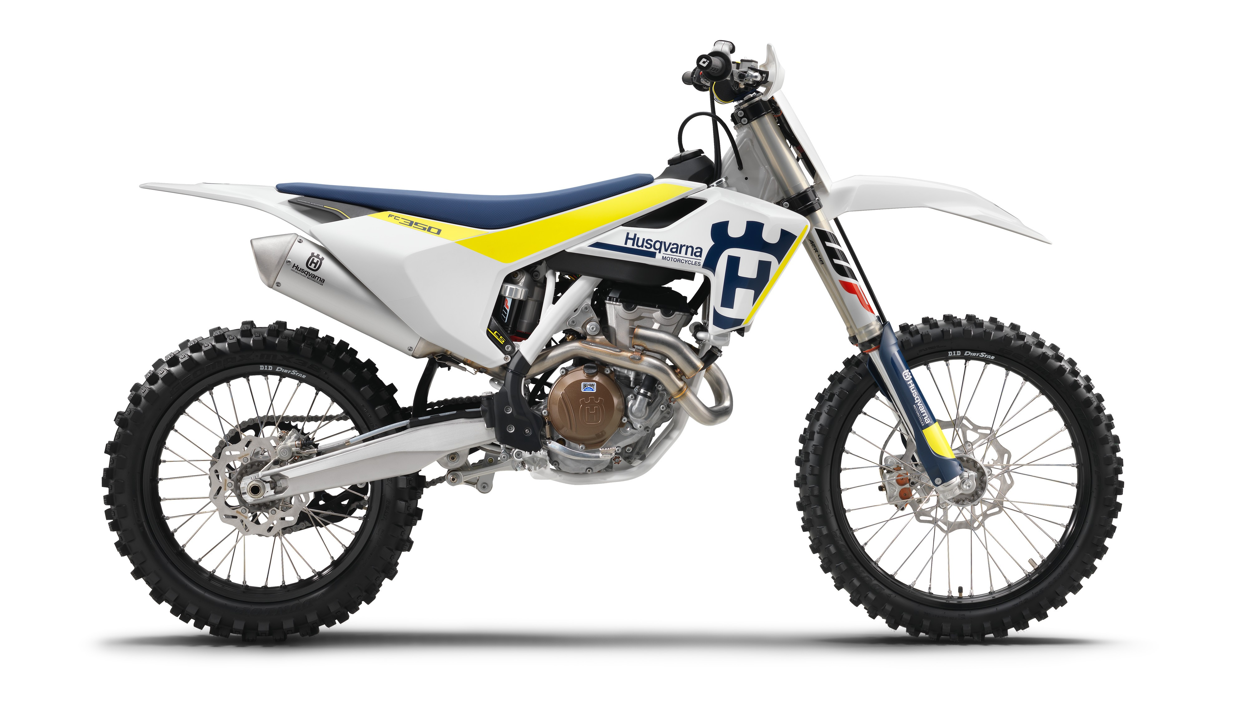 traction control arrives in husqvarna s 2017 motocross bikes 4